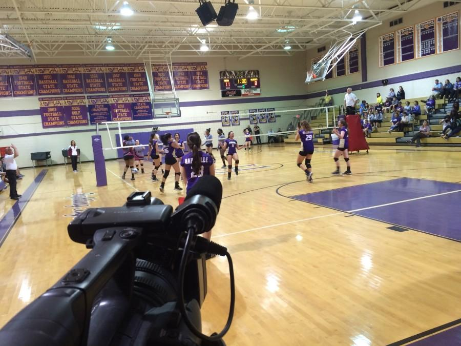 DHS+vs+HHS+Volleyball+Broadcast